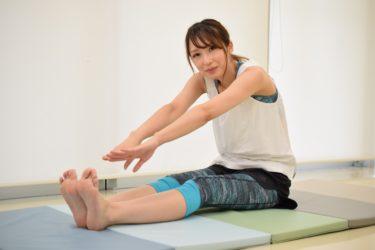 拝啓、柔軟性を挙げたい皆様へ。ペタっと開脚前屈したい! どうすれば床につきますか?